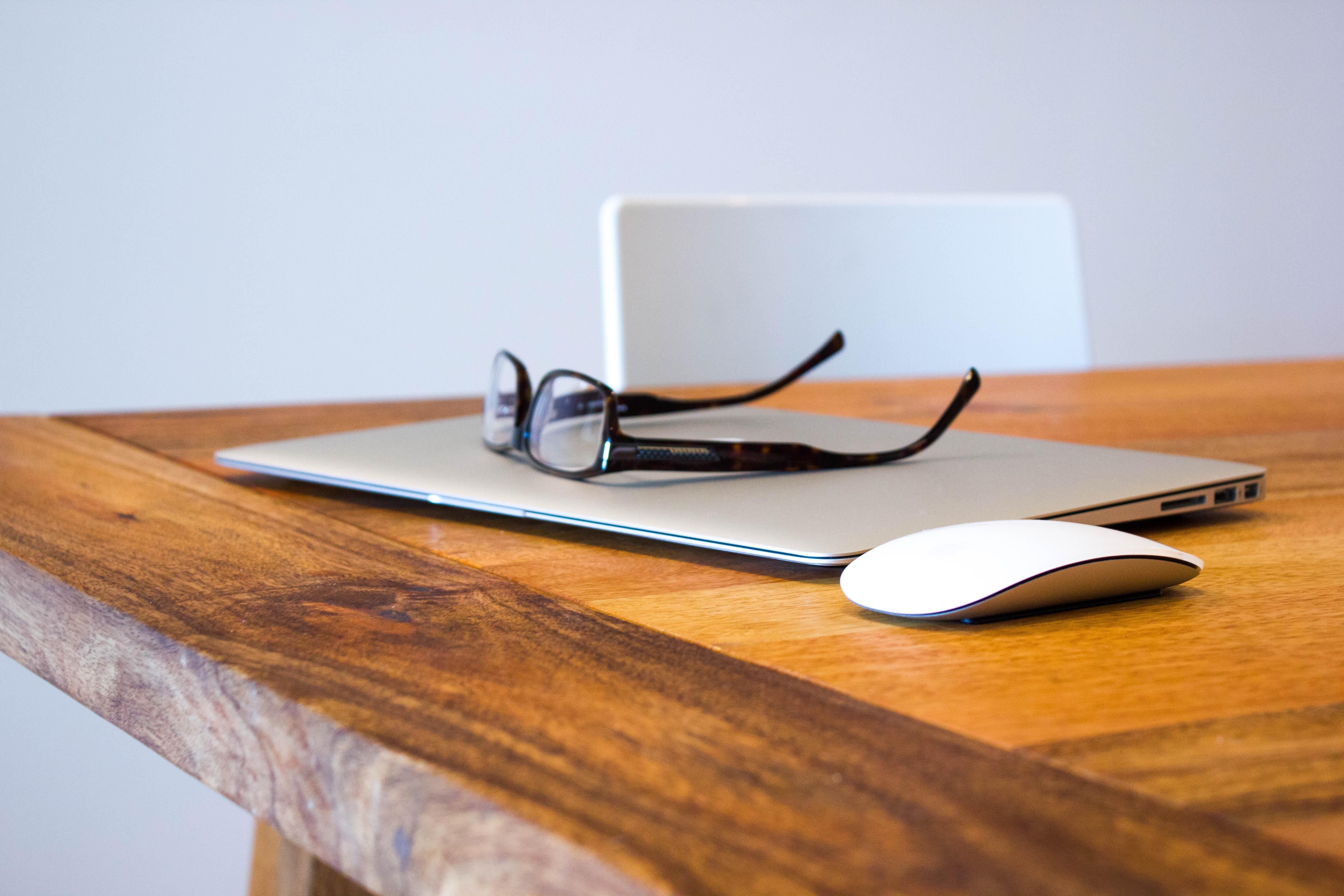 Dziennikarstwo customowe – jakie być powinno?